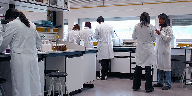 ScientistsinLaboratory_zps77c3c0d9